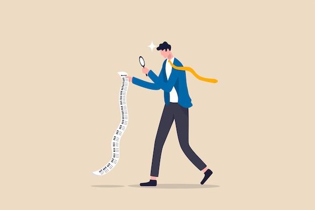 Оплата счетов, анализ затрат и расходов для концепции бизнеса или личных финансов, умный бизнесмен, использующий увеличительное стекло для анализа бюджета, подоходного налога или расходов на длинной квитанционной бумаге. Premium векторы