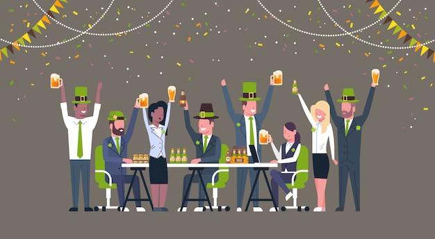 People celebrating saint patricks day illustration Premium Vector