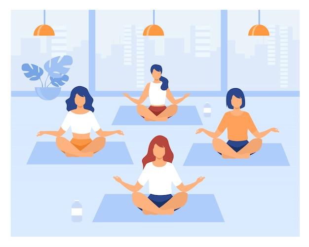 Люди практикующие йогу Бесплатные векторы