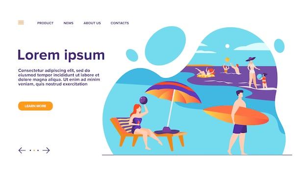Люди отдыхают на морском пляже на летней целевой странице Бесплатные векторы
