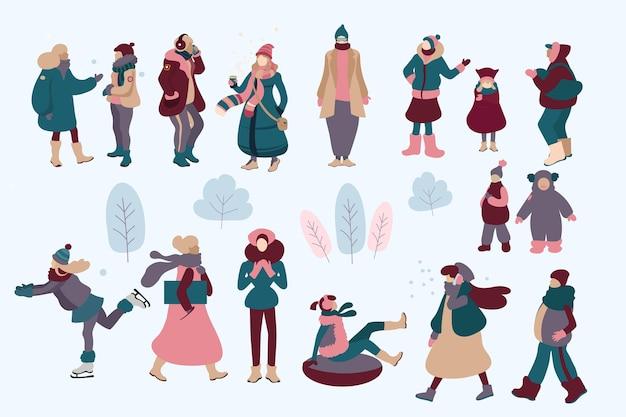 Persone che indossano abiti invernali accoglienti Vettore gratuito
