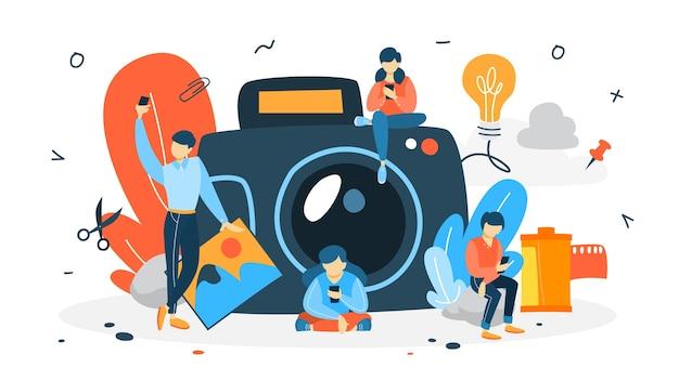 写真のコンセプト。人々は自分撮りをします。背景に大きなカメラ。芸術的な職業と写真のコース。図 Premiumベクター