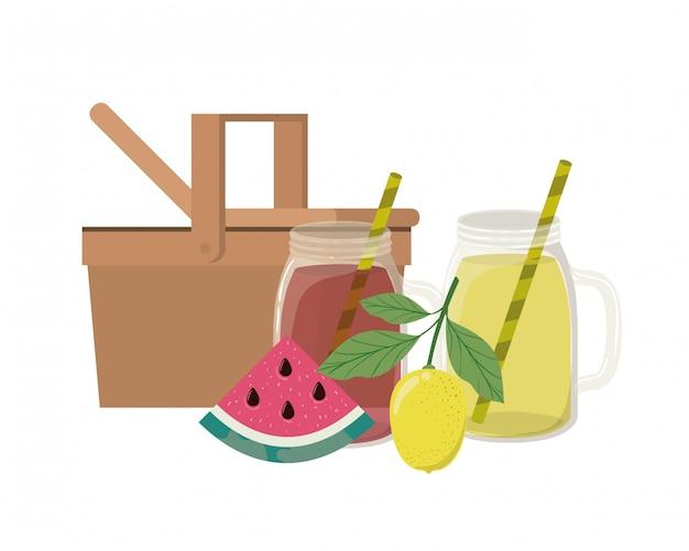 Cestino da picnic con bevanda rinfrescante per l'estate Vettore gratuito