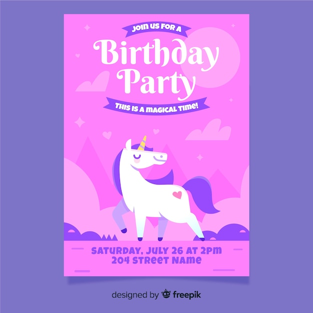 ピンクの手描きの誕生日の招待状のテンプレート 無料ベクター