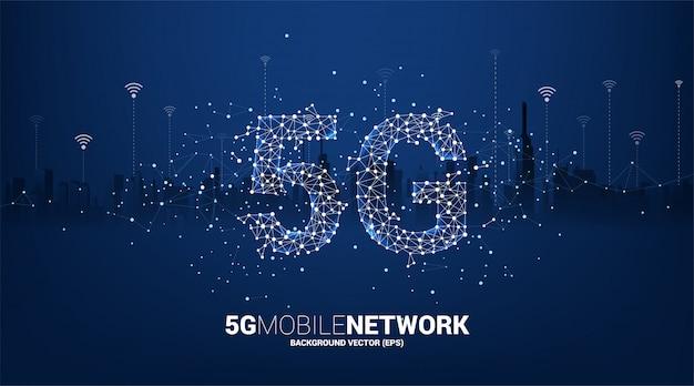 街の背景を持つポリゴンドットコネクトライン形状の5gモバイルネットワーキング。モバイルsimカード技術とネットワークのコンセプト。 Premiumベクター