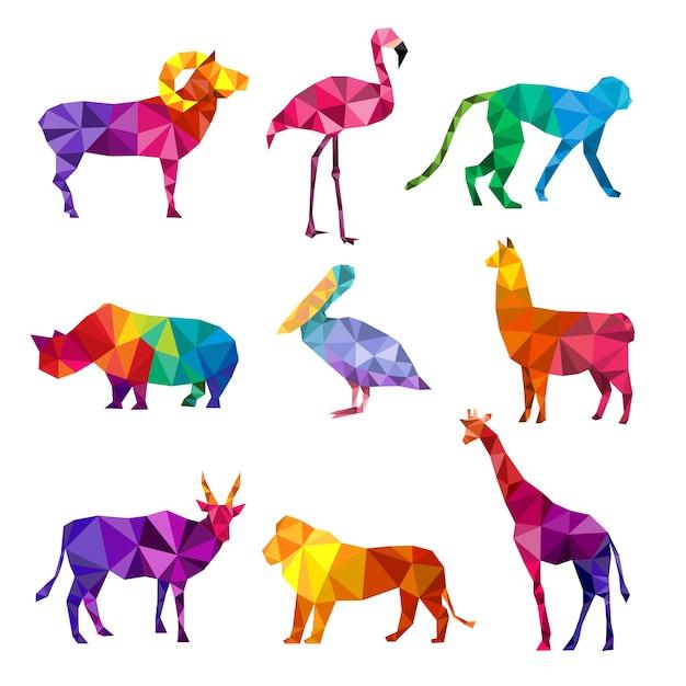 多角形の動物。動物の三角形の幾何学的形状パターンの折り紙コレクションの低ポリ動物園シルエット。野生の幾何学的な動物の多角形の図、野生動物ポリゴン動物園 Premiumベクター