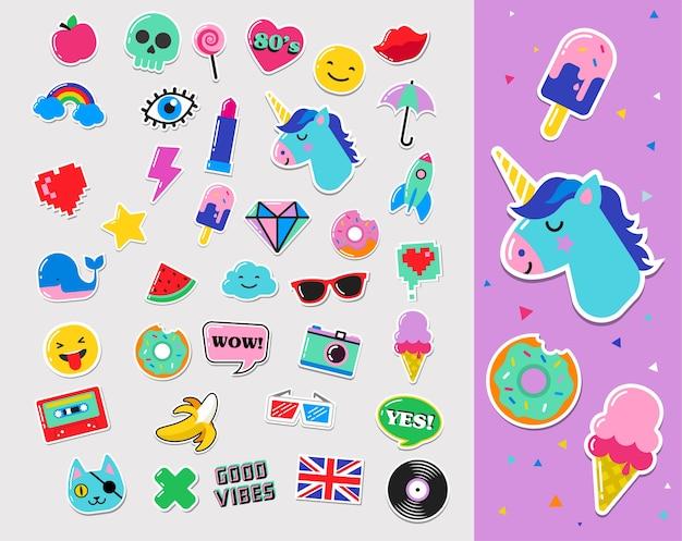 Поп-арт модные шикарные нашивки, значки, значки, мультфильмы и наклейки Premium векторы