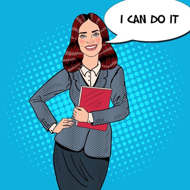 Поп-арт успешный улыбающийся бизнес женщина, держащая папку. Premium векторы