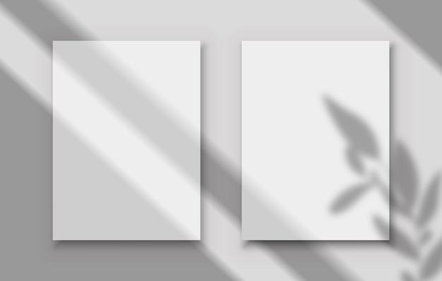 그림자 오버레이 포스터 투명 그림자와 함께 두 개의 흰색 빈 이미지 프레임 프리미엄 벡터