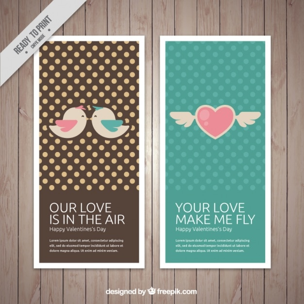 Pretty vintage valentine cards with polka dots Free Vector