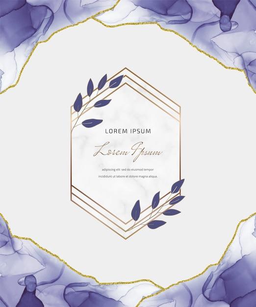 幾何学的な大理石のフレームと葉を持つ紫アルコールインクキラキラカード。抽象的な手描きの背景。 Premiumベクター