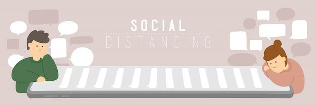 Карантин мужчина и женщина со смартфоном чата держат расстояние до защиты от вспышки covid-19, социального удаленного концептуального плаката дома или иллюстрации социального баннера на фоне с копией пространства Premium векторы