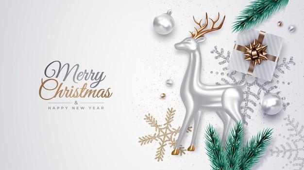 銀のガラスの鹿、松の枝、ギフト、装飾品、雪片、クリスマスボールの現実的な装飾クリスマス組成 Premiumベクター