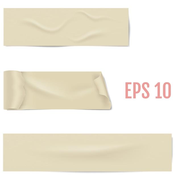 그림자와 주름이 흰색 절연 접착 테이프의 현실적인 다른 조각. 끈적한 마스킹 테이프. 삽화 프리미엄 벡터
