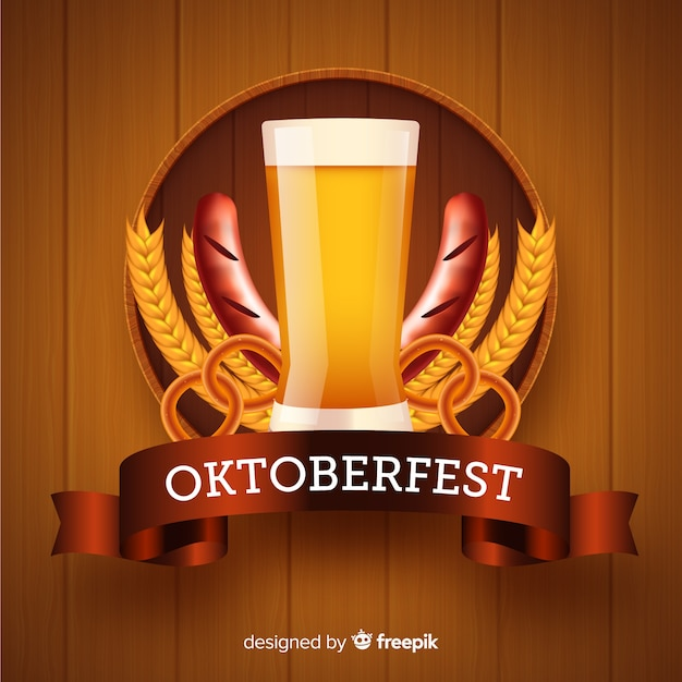 Realistic oktoberfest with beer background Free Vector
