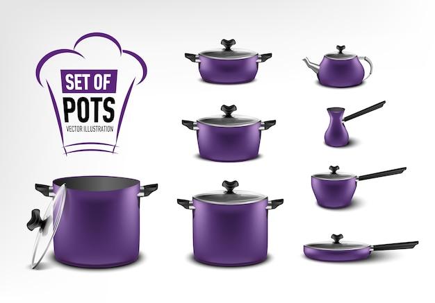 紫色のキッチン家電、さまざまなサイズの鍋、コーヒーメーカー、トルコ人、シチュー鍋、フライパン、やかんの現実的なセット Premiumベクター