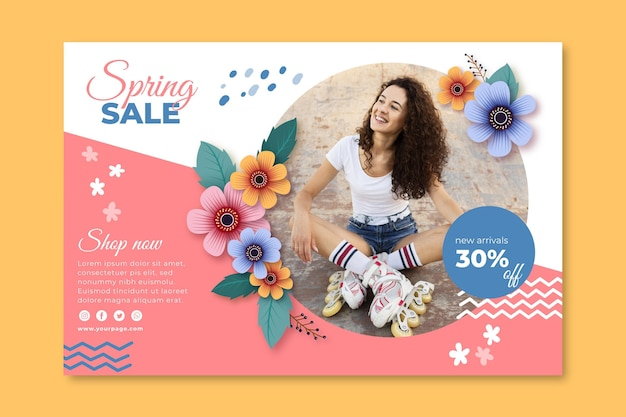 Realistic spring sale banner template Free Vector