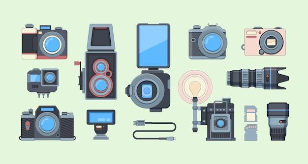 レトロとモダンなカメラフラットイラストセット。さまざまな写真撮影機器のコレクション。 Premiumベクター