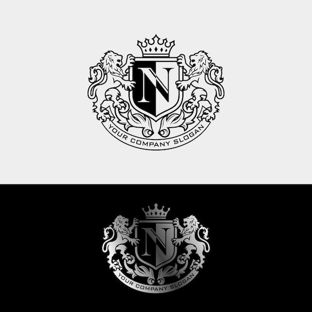 Роскошный дизайн логотипа royal lion king Premium векторы