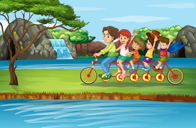 家族で公園で自転車に乗るシーン 無料ベクター