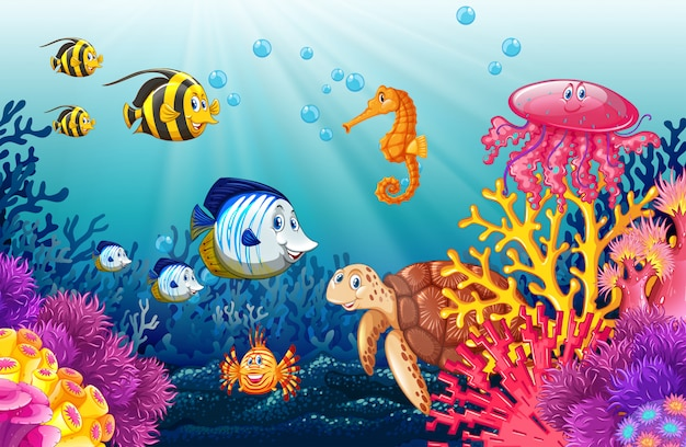 Scene with lives underwater Free Vector
