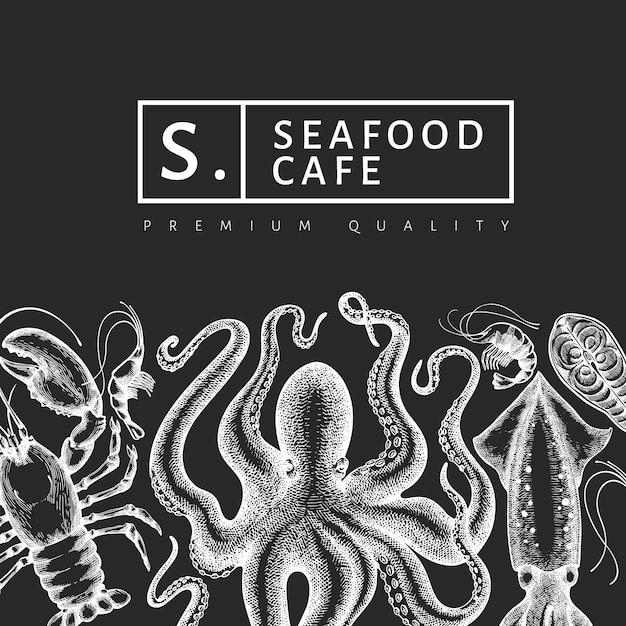 シーフードのデザインテンプレートです。手は、チョークボードにベクトルシーフードイラストを描いた。刻まれたスタイルの食品バナー。レトロな海の動物の背景 Premiumベクター