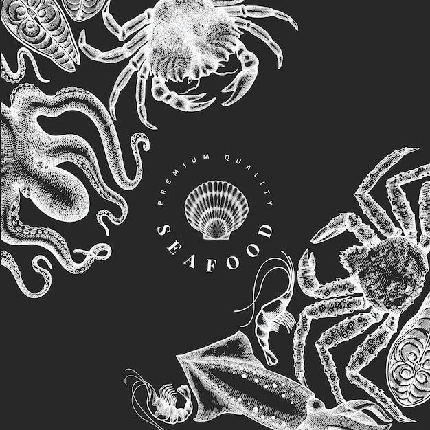 シーフードデザインテンプレート。チョークボードに手描きのベクトルシーフードイラスト。刻まれたスタイルの食品バナー。ヴィンテージ海の動物の背景 Premiumベクター