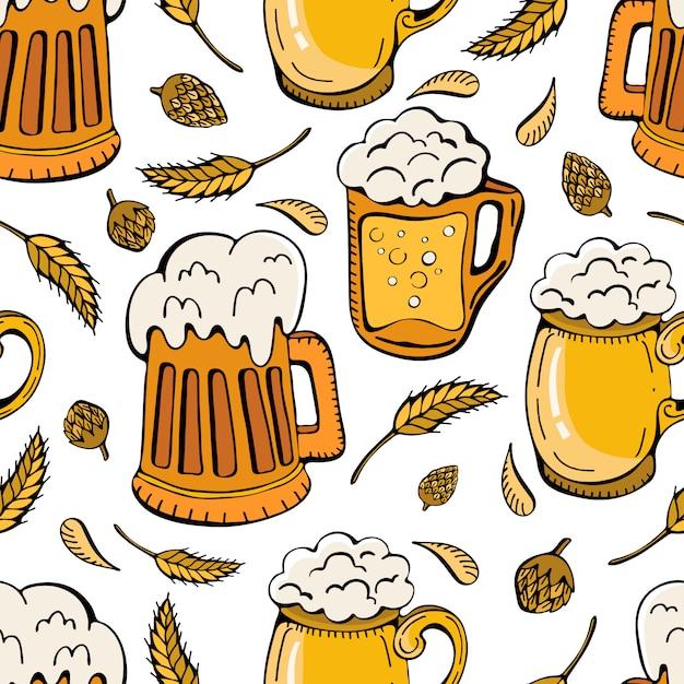Бесшовный фон из пивных кружек, хмеля и колосьев пшеницы. пивные напитки ретро-мультфильм из кружек и кружек, полных светлого пива, лагера и эля. Premium векторы