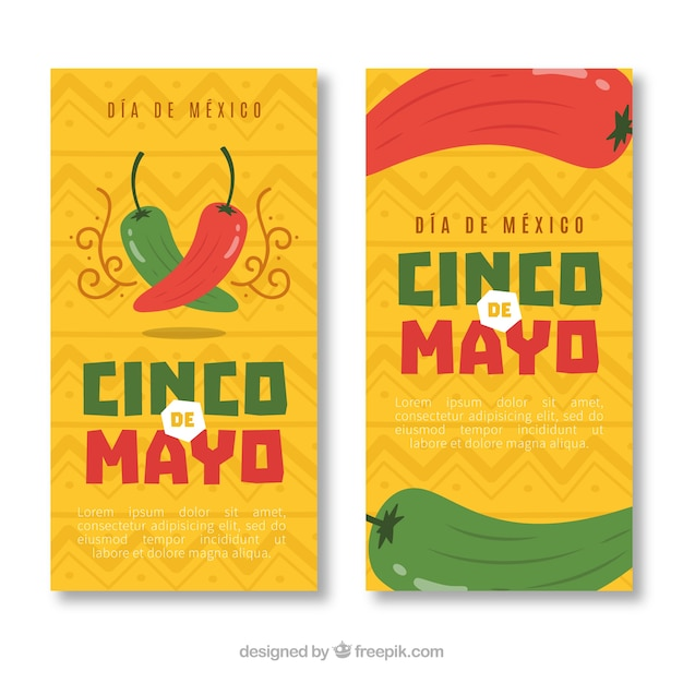 Insieme delle bandiere di cinco de mayo con elementi tradizionali messicani Vettore gratuito