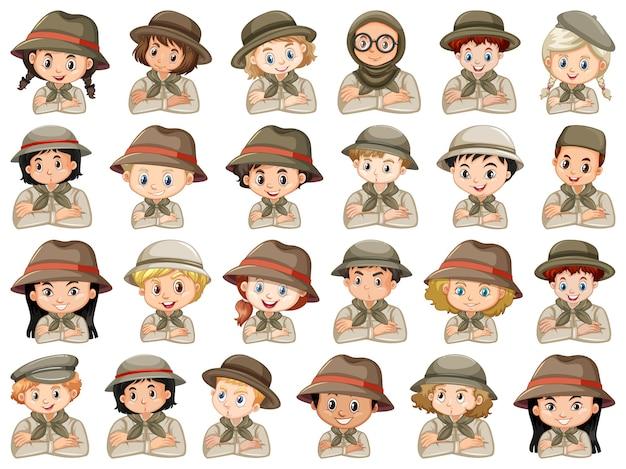 Set di diversi personaggi di ragazzi e ragazze costume scout su un bianco Vettore gratuito