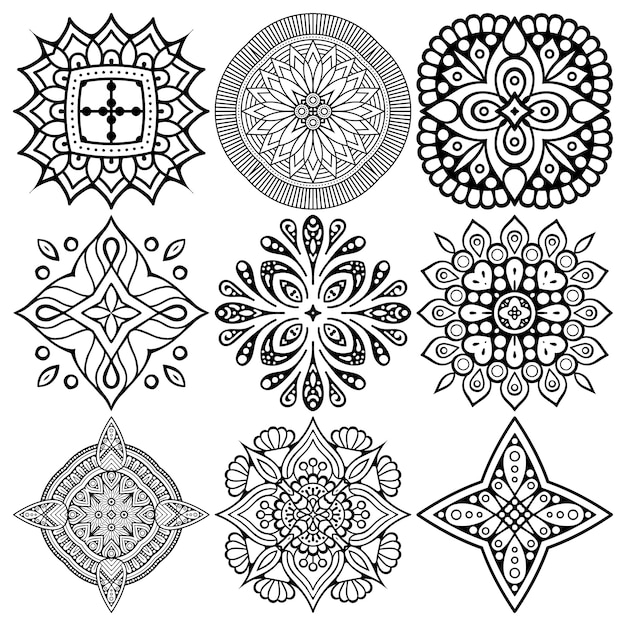 Set of ethnic mandala drawing. Free Vector