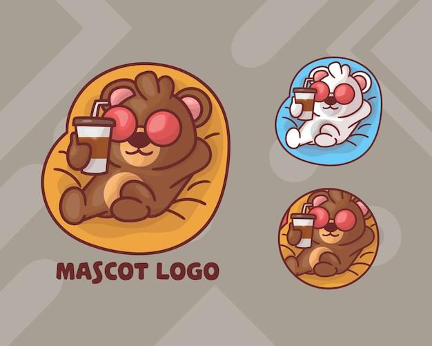 オプションの外観を持つかわいいクマを飲むコーヒーマスコットのロゴのセット。 Premiumベクター