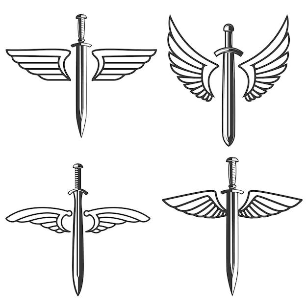 中世の剣と翼を持つエンブレムのセット。ロゴ、ラベル、記号の要素。図 Premiumベクター