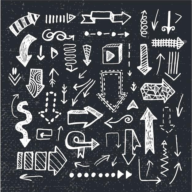 손으로 그린 낙서 화살표, 칠판 배경에 고립의 집합입니다. 검정색과 흰색 프리미엄 벡터