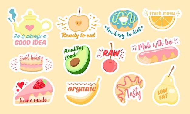 Набор разноцветных векторных наклеек с различными здоровыми фруктами и вкусной выпечкой со стильными надписями, оформленными в качестве иллюстраций концепции диеты Premium векторы