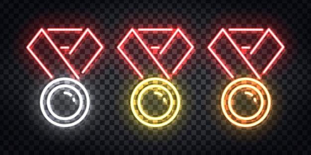 투명 한 배경에 템플릿 장식 및 레이아웃 커버에 대 한 황금,은 및 구리 메달 로고의 현실적인 네온 사인의 집합입니다. 승자의 개념. 프리미엄 벡터