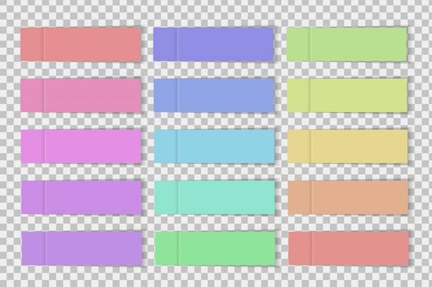 透明な背景にリアルな付箋紙のセット。 Premiumベクター