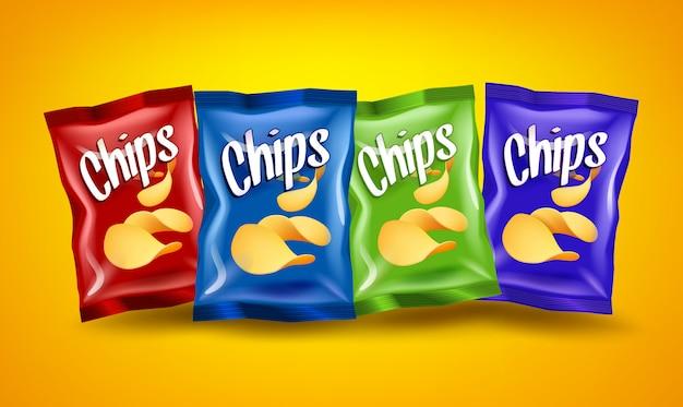 Набор красных, синих и зеленых чипсов пакетов с желтыми хрустящими закусками, рекламная концепция Premium векторы