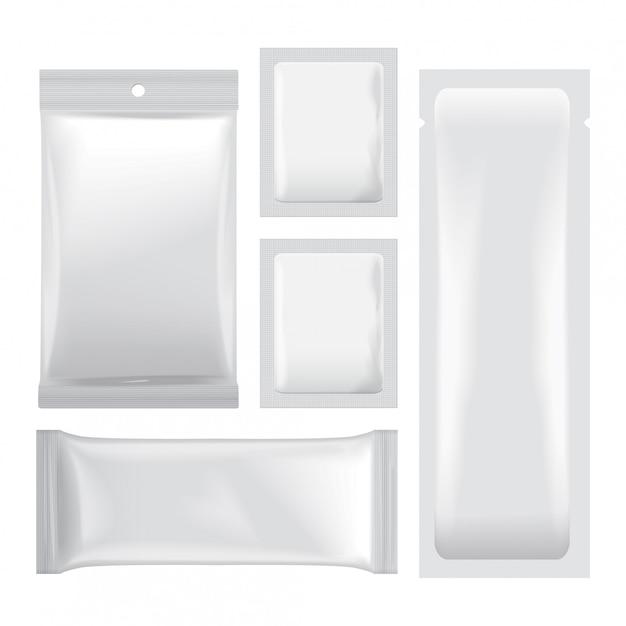 食品、スナック、コーヒー、ココア、お菓子、クラッカー、チップ、ナッツの包装の白い空白の箔袋のセットです。ビニールパック Premiumベクター