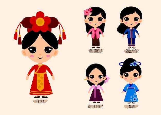 Insieme di persone in personaggi dei cartoni animati di abbigliamento asiatico tradizionale, concetto di raccolta di costumi nazionali femminili, illustrazione piatta isolata Vettore gratuito