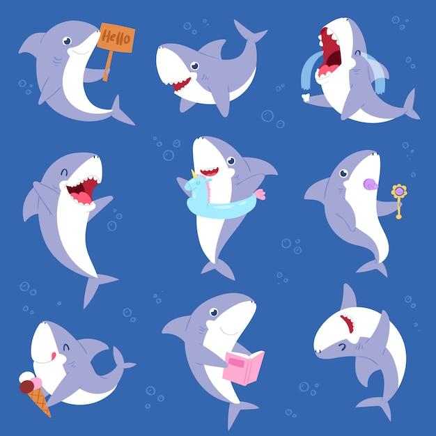 Акула мультяшный морской рыбы, улыбаясь с острыми зубами иллюстрации набор символов характер рыболовства дети набор игры или плач ребенка рыбы на фоне морской Premium векторы