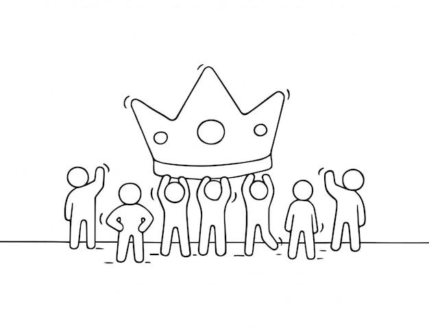큰 왕관과 함께 일하는 작은 사람들의 스케치. 성공에 대한 노동자의 귀여운 미니어처 장면 낙서 프리미엄 벡터
