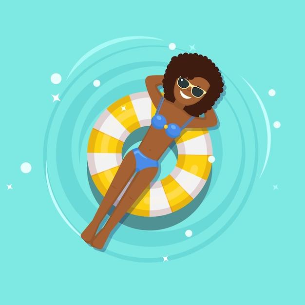 笑顔の女の子が泳ぐ、エアマットレスで日焼け、スイミングプールで救命浮き輪。ビーチグッズ、ゴム製リングに浮かぶ女。水の不可能円。夏の休日、休暇、旅行時間。 Premiumベクター