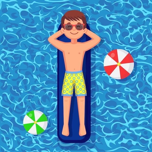 笑顔の男が泳ぎ、プールのエアマットレスで日焼けします。 Premiumベクター