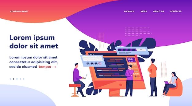 Кодирование разработчиков программного обеспечения на компьютере с помощью сценария. кодирование, инженерия, дизайн интерфейса плоские векторные иллюстрации. программирование концепции веб-дизайна или целевой веб-страницы Бесплатные векторы