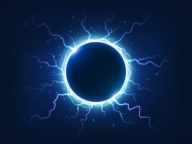 火花と稲妻を照らす壮観な電気の雷が青い電気ボールを囲みます。 Premiumベクター