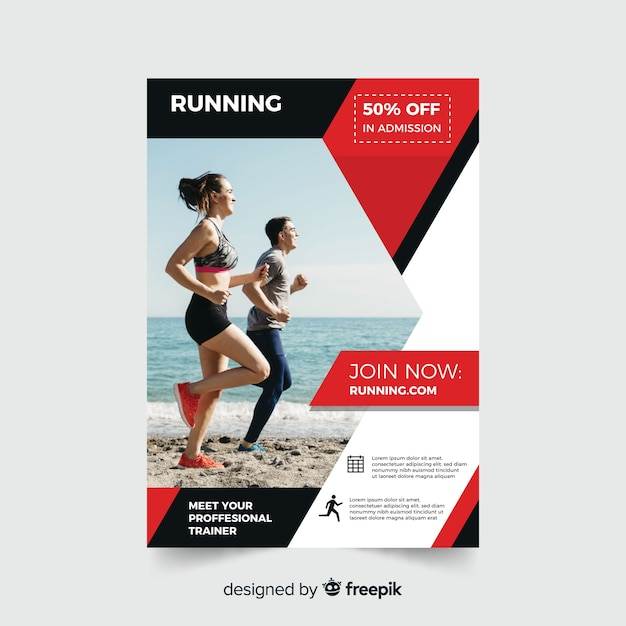Sport flyer with people running on the beach Free Vector