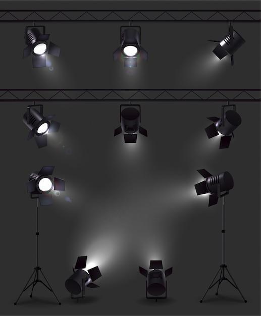 스탠드와 릴이있는 다른 각도에서 빛나는 스포트 라이트가있는 현실적인 이미지 세트 무료 벡터