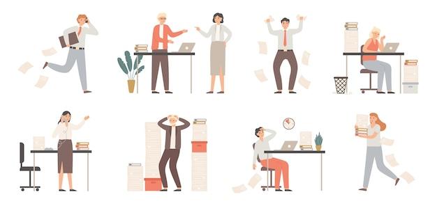 Подчеркнул деловых людей. занятые офисные работники, сердитый босс в панике и рабочий хаос Premium векторы