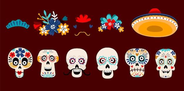 砂糖メキシコの頭蓋骨フラットベクトルイラストセット。白い背景で隔離の花とスケルトンの頭。ソンブレロの帽子に口ひげを生やした頭蓋骨。 dia de losmuertos休日の伝統的な装飾 Premiumベクター